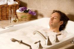 Горячая ванна ускоряет вывод ядов из организма.