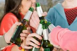 Бесконтрольное распитие алкоголя - один из симптомов зависимости