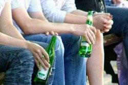 Распитие спиртного на лавочке