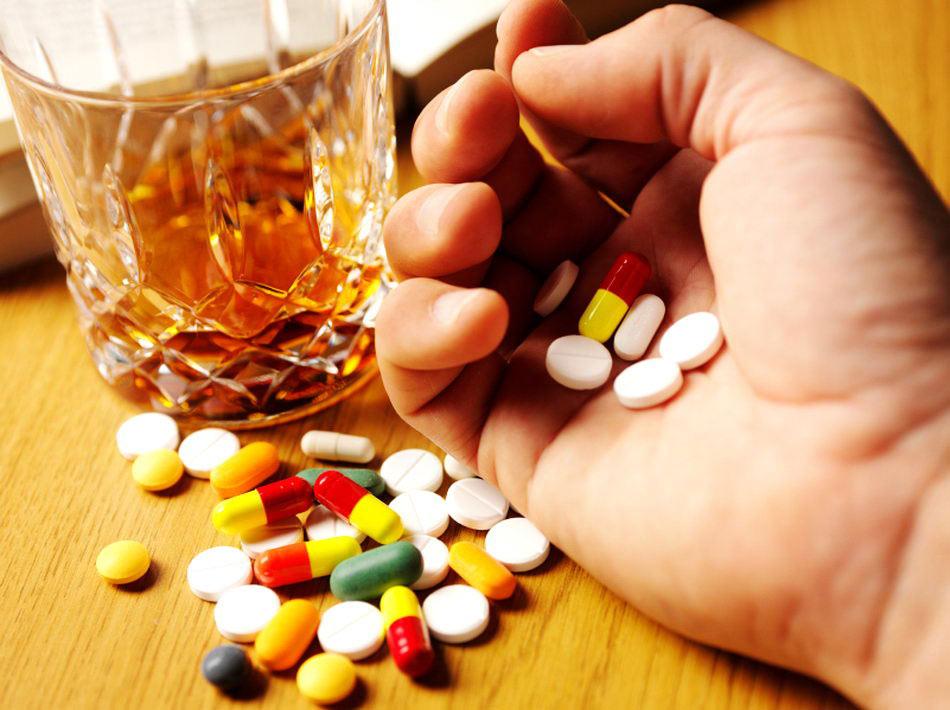 Алкогольные напитки и лечение антибиотиками