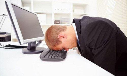 Сотрудник на работе в состоянии алкогольного опьянения