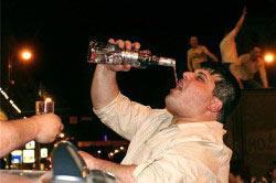 Злоупотребление алкогольными напитками