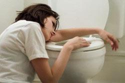 Рвота - реакция организма на алгоколь при лечении