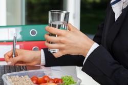 Употребление средства во время еды